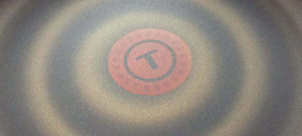 ティファールフライパンの表面加工の画像